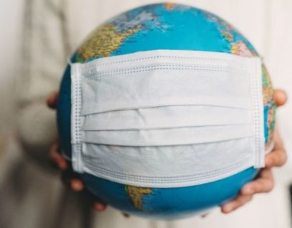 Ansiktsmask på jorden